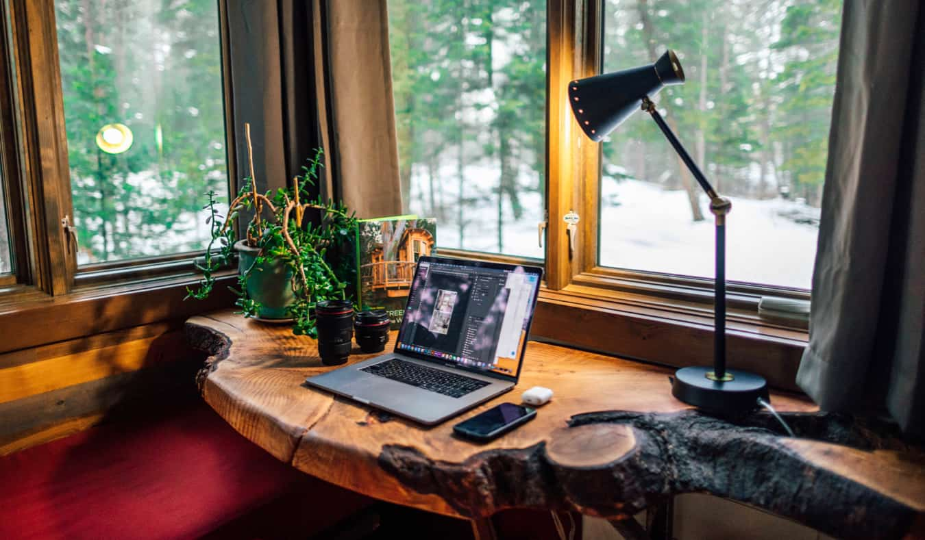 Work from Home Gift Guide: 21 Amazing Gifts for Remote Workers